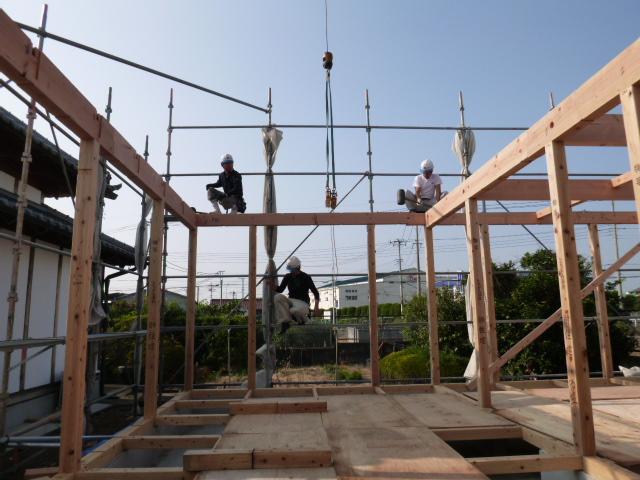離れの家 建て方1