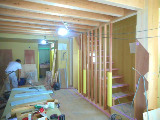 「桧丸太の家」~もうすぐ木工事完了~