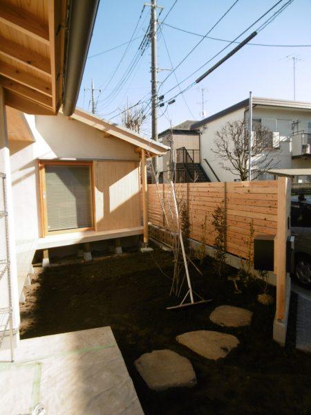 「和瓦と庭々の家」~植栽工事~