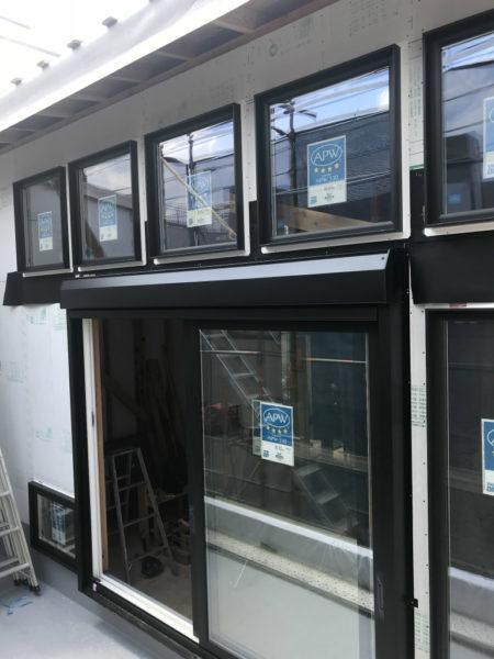 「ソラニワの家」~樹脂窓取付~