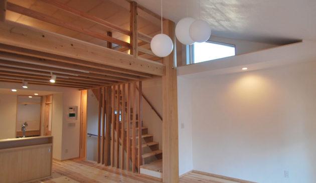 桧丸太の家